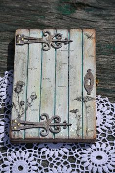 Beautiful surface! Maybe a fairy door or wall art piece inspiration!