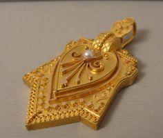 14K Victorian Etruscan Revival Locket Pendant Ingrid Bergman, Historical Images, Victorian Jewelry, Sparkle, Pendant, Creative, Hang Tags, Pendants