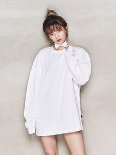 Jeongyeon Twice for OhBoy! Twice Jyp, Twice Jungyeon, Tzuyu Twice, Nayeon, Kpop Girl Groups, Korean Girl Groups, Kpop Girls, Suwon, Asian Woman