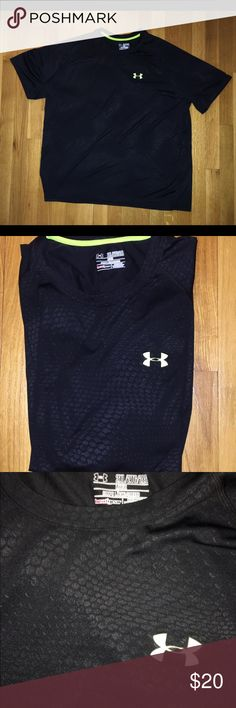Awesome Under Armour Heat Gear Top XXL Awesome Under Armour Heat Gear reflective black and neon yellow men's top. Black snakeskin styled reflective fabric contrasted with bright neon yellow trim on collar, UA Logo, and back logo. Excellent condition and comfortable! From a smoke/pet free home. Size XXL Under Armour Shirts