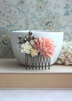 Pink and Ivory Wedding Comb. Pink Rose, Ivory, White, Pearl, Brass Leaf Flower Hair Comb. Bridal Comb, Bridesmaids Gift, Bridal Hair Comb.