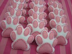 Would make really cute hand warmers! Cat Crafts, Animal Crafts, Arts And Crafts, Homemade Cat Toys, Diy Cat Toys, Felt Christmas, Christmas Crafts, Fabric Crafts, Sewing Crafts