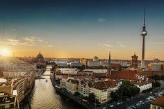 Itinerario di viaggio per vedere Berlino in 3 giorni: tutto il meglio che la città ha da offrire, dalle chiese ai monumenti storici.