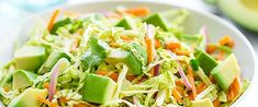 SALATĂ de VARZĂ și AVOCADO | La Taifas Slaw Recipes, Avocado Recipes, Side Dish Recipes, Side Dishes, Avocado Cilantro Dressing, Carrot Slaw, Salmon Tacos, Vegetarian Cabbage, Green Cabbage
