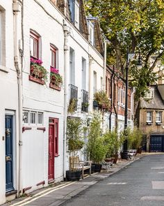 A colorful mews street in the heart of London's chi chi Belgravia #mews #london #belgravia #england #uk #houses