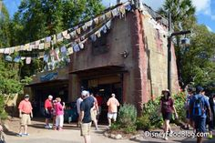 Welcome to Thirsty River Bar and Trek Snacks -- a brand new addition to the Asia section in Disney World's Animal Kingdom park! River Bar, Disney Food, Animals Of The World, Disney Pictures, Animal Kingdom, Trek, Street View, Disney Images