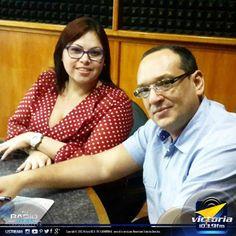Hoy en #DineroInteligente Román Gutierrez estuvo hablando de #SocialMedia para emprendedores con Gabriela Lucena.