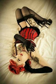 Pin-up - Boudoir - Portrait - Lingerie - Tattoos - Ink - Photography - Pose