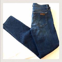 """Joe's Jeans size 25 Joe's Jeans size 25. Sierra wash.  98%cotton 2%elastane .  Waist 13 3/4"""" Inseam 27"""".  Great pair of skinny jeans! Joe's Jeans Jeans Skinny"""