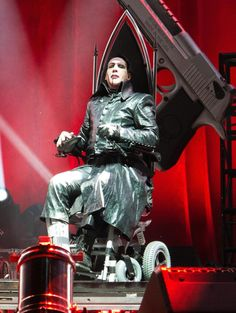 Marilyn Manson props wheelchair injury heaven upside down tour Brian Warner not afraid