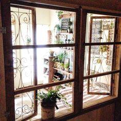 アイアンの飾り窓欲しいなぁ〜と思ったけれど高くて買えません(><) グニャグニャだけどワイヤーで作ってみました。