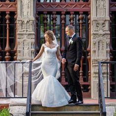 """""""Mi piace"""": 1,254, commenti: 4 - Lazaro (@lazarobridal) su Instagram: """"Looking angelic in her customized Lazaro gown 🌹 #Tiedtheknotinlazaro #lazarobridal #weddingdress…"""""""