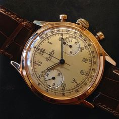 We are leaving you with this very warm and beautiful 18ct Rose gold Breitling Premier Chronograph from 1945!  A true vintage classic!!  #amsterdamvintagewatches #amsterdam #vintage #watches #vintageonly #vintagewatches #vintagebreitling #breitling...