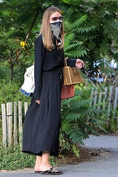 Olivia Palermo Street Style, Olivia Palermo Outfit, Estilo Olivia Palermo, Olivia Palermo Lookbook, Star Fashion, Fashion Outfits, Mix And Match Fashion, Gigi Hadid Outfits, Minimalist Fashion Women