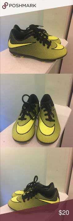 premium selection ac171 704c6 Great condition neon yellow and black soccer cleats. Super comfy for your  little athlete!