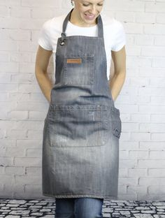 Best 12 Light Gray Denim Bib Apron / BBQ Apron / Grilling Apron / Barista Apron / Chef Apron / Denim Bib Apron for Bartenders, Baristas, Chefs. Perfect to use in the comfort of your own home kitchen. The best denim apron for cooking, gardening or cra Grill Apron, Bbq Apron, Chef Apron, Restaurant Uniforms, Waist Apron, Sewing Aprons, Denim Aprons, Leather Apron, Aprons For Men