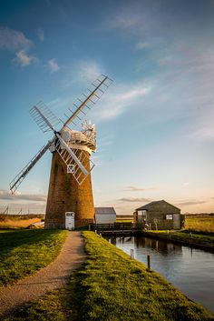 ˚Horsey Windmill - England Tilting At Windmills, Norfolk Broads, Water Wheels, Wind Mills, Long Car Rides, Water Powers, Water Mill, 10 Picture, Le Moulin