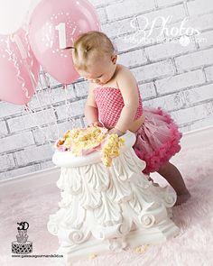 Smash the cake portrait  Portrait idea for 1 year old