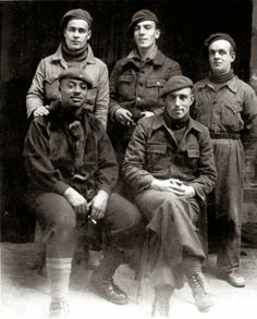 Four Irish Volunteers and one American. Spanish War, Interwar Period, Revolution, War Photography, Red Army, Historical Images, Abraham Lincoln, Military History, Old Pictures