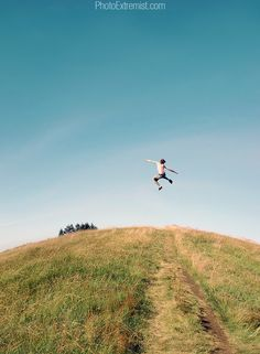 Can U levitate like this...  Check these amazing trick photogrphy and special effect techniques by Evan Sharboneau..  http://neoexcel.com/a/trickphotography/i.htm