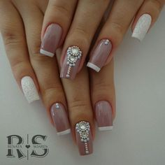 35 Simple Ideas for Wedding Nails Design 2 - Nails Art Ideas Glitter French Manicure, French Manicure Designs, Gel Manicure, Cool Nail Designs, Natural Wedding Nails, Simple Wedding Nails, Wedding Nails Design, Nail Art Hacks, Easy Nail Art