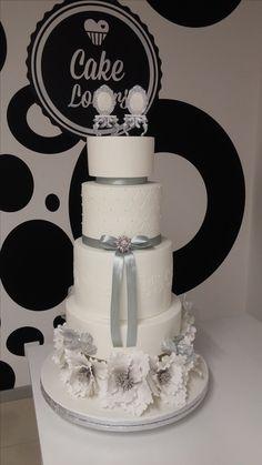 Bolo de Casamento em Pérola e Prata