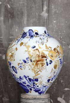 Chu Teh-Chun, Vase No. 29, 2008 porcelain, hand painted by the artist with highlights in gold