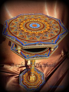Our goal is to keep old friends, ex-classmates, neighbors and colleagues in touch. Mandala Painting, Dot Painting, Point Paint, Recycled Crafts, Stone Art, Color Inspiration, Cosy, Painted Furniture, Art Decor