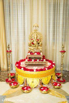 Gauri Decoration, Mandir Decoration, Thali Decoration Ideas, Diy Diwali Decorations, Ganapati Decoration, Home Wedding Decorations, Festival Decorations, Flower Decorations, Flower Decoration For Ganpati