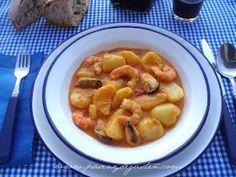 """Esta receta marinera me la trajo mi padre hace años. Era de un amigo suyo que guisaba sus famosas """"patatas con langostinos y mejil..."""
