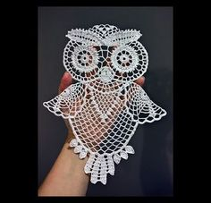 This owl can be used as doily hanging decoration or a motif for t shirt or bag the size after starching and stretching is about you will need about 100 m of anchor aida 20 or similar yarn and crochet size 0 75 1 0 time needed depends on your skills f Crochet Thread Patterns, Owl Patterns, Crochet Designs, Knitting Patterns, Filet Crochet, Crochet Motif, Irish Crochet, Crochet Doilies, Crochet Lace