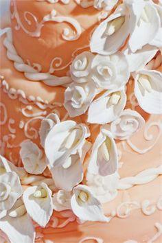 Ava, keep this in case Calli ever asks you to make her a cake. Wedding Cake with Calla Decor. Amazing Wedding Cakes, Cake Wedding, Wedding Stuff, Wedding Ideas, Wedding Destinations, Destination Wedding, Wedding Planning, Orange Bridesmaid Dresses, Orange Weddings
