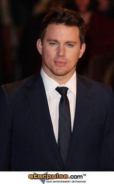 Gaaaaaaaaahh I looooove Channing Tatum! Now that he's a dad, he's definitely a DILF.
