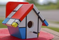 Our next birdhouse is from our celebrity artist Ed Wenck. It is named Peep Mondrian, inspired by by Ed's love of art history and Piet Mondrian. You can bid on this birdhouse, or the many others still to be showcased, on Saturday, May 19th at Start Your Engines: Partners Inside 2012. For more information, visit www.pihdc.org.