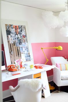 two tone paint, frame decoration, home office decoration, fashion home, bedroom… Decoration Inspiration, Workspace Inspiration, Decor Ideas, Pink Home Offices, Half Painted Walls, Estilo Interior, House Design Photos, Pink Walls, House And Home Magazine