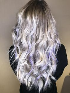 Lavender blonde balayage by paintedlocks_waves on ig White Ombre Hair, Light Purple Hair, White Blonde Hair, Dyed Blonde Hair, Lilac Hair, Platinum Blonde Hair, Ombre Hair Color, Ash Blonde, Wavy Hair