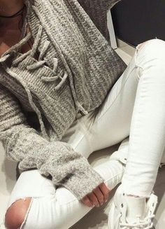 Kup mój przedmiot na #vintedpl http://www.vinted.pl/damska-odziez/swetry-z-dzianiny/15651761-bezowy-sweterek-sznurowany-selfieroom-oversize