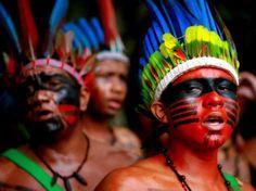 Tribo indígena Tupi Guarani _ Brasil.                                                                                                                                                                                 Mais