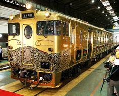 "The ornate ""JR Kyushu Sweet Train"" is unveiled in Kita-Kyushu on July 17. (Jun Kaneko)"