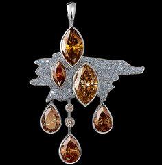 Jewellery Theatre (Russia) Clouds high jewellery Pendant. 18K white gold; 6 cognac diamonds 9,51-9,70 ct; 80 diamonds 0,84-0,867 ct.