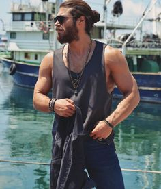 Can Yaman, the 'dream bird' with which you will want to fly far away - Modern Turkish Men, Turkish Actors, Beautiful Men Faces, Gorgeous Men, Man Bun, Plein Air, Stylish Men, Actors & Actresses, Sexy Men