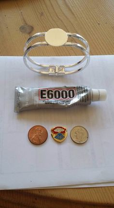 Materials needed to make the military spouse bracelets. Coins are shown for size (smaller unit pins). Army Crafts, Military Crafts, Volunteer Gifts, Volunteer Appreciation, Crafty Craft, Crafty Projects, Crafting, Military Spouse, Military Retirement