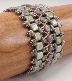 Istruzioni per modo verniciato braccialetto perline Tutorial