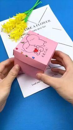 Cool Paper Crafts, Paper Crafts Origami, Origami Art, Fun Crafts, Oragami, Diy Origami Cards, Decor Crafts, Art Decor, Home Decor