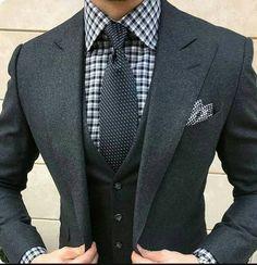 ☝ #socksfresh #fashion #mensfashion #mensstyle #menwithstyle #gentleman #menswear #dapper #dappermen #style #styleinspiration #beinspired #accessories #suitgame #stylegram #streetstyle #workstyle #weekendstyle