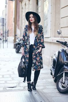 Long kimono summer outfit ideas 27