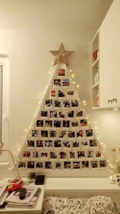 Wall Christmas Tree, Creative Christmas Trees, Easy Christmas Decorations, Modern Christmas Decor, Easy Christmas Crafts, Christmas Signs, Xmas Tree, Simple Christmas, Christmas Ideas