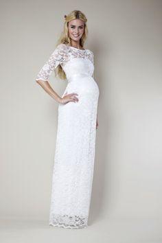 Prachtig lang bruidsjurkje met 3/4e mouw van Tiffany Rose. Het jurkje heeft een onderjurk met daarover heen prachtig soepel kant welke heel goed meerekt en geschikt is voor alle periodes in de zwangerschap. Een mooie satijnen strik maakt het jurkje helemaal af.