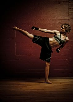Kickboxing Challenge w/ 2 kickboxing workouts to choose from. Complete w/ videos too!