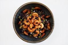 Schwarzer Reissalat mit Edamame, Linsen und gerösteten Chashews